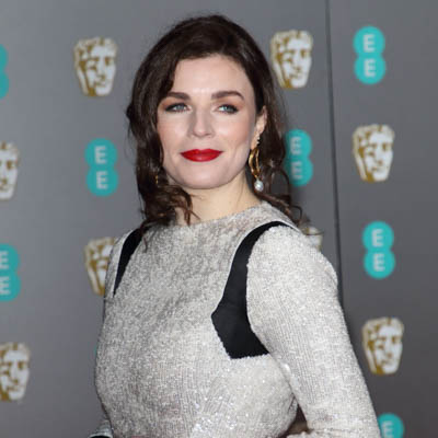 Aisling Bea Bio, Age, Net Worth, Height, Husband, Family, Married, Podcast