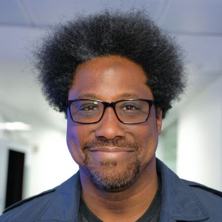W. Kamau Bell Biograpy, Age, Family, Wife, Awards, CNN and Net Worth